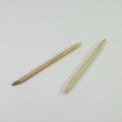 Patyczki z drewna do manicure